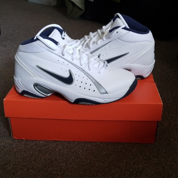 36eea27b46e82f New Nike Overplay IV Men s Basketball Sneakers 7. M 5b1c1f0dfe5151e32e5af832